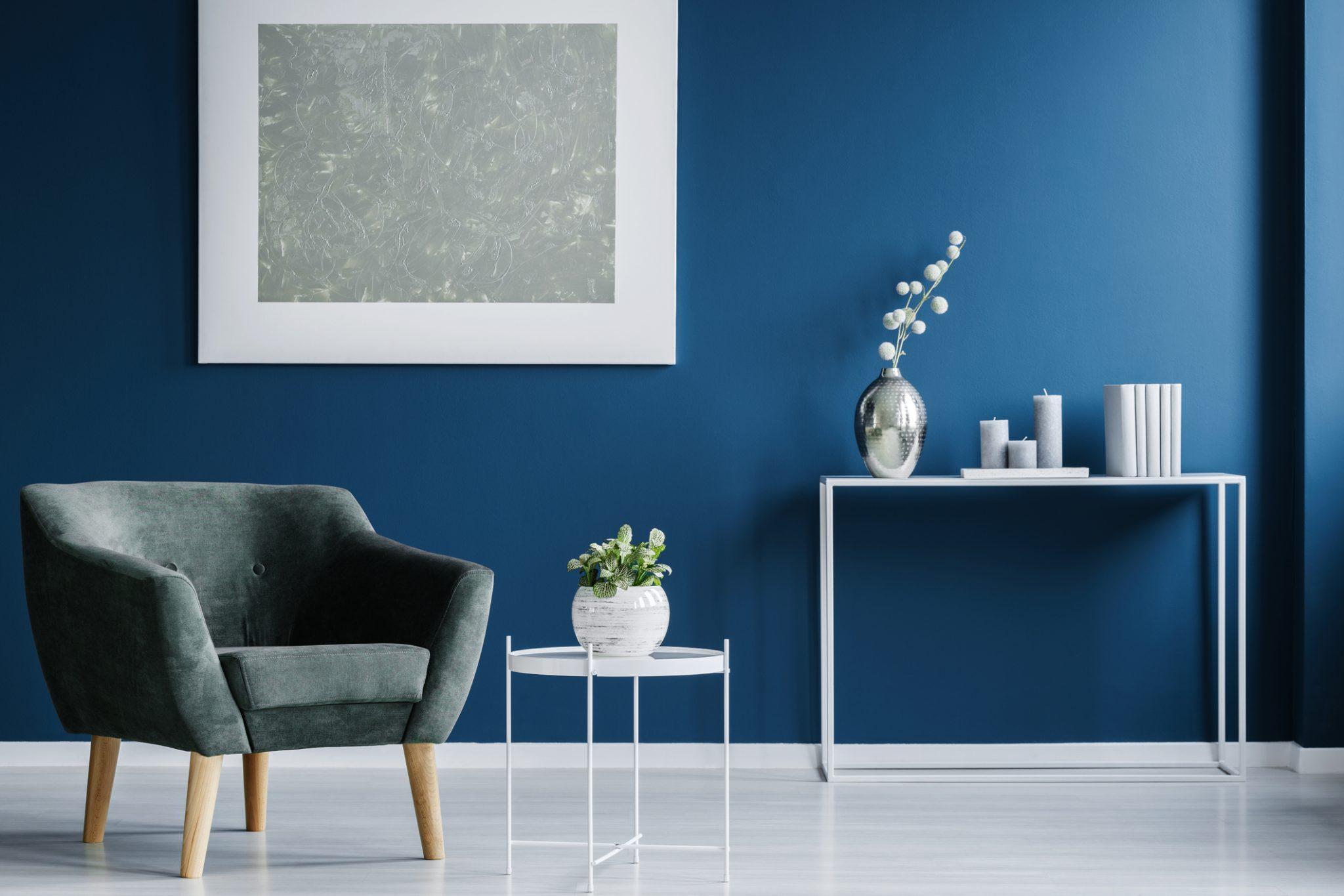 VVE Beheer - Blauwe muur woonkamer inrichting